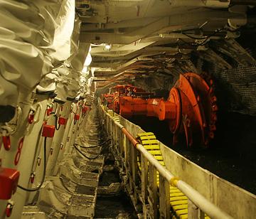 隧道施工现场