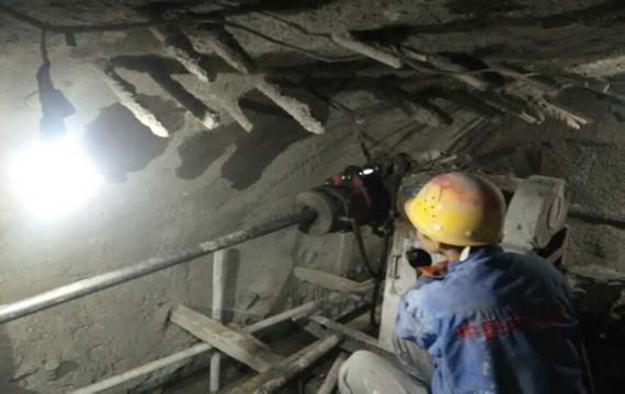 地质探测岩石取芯钻机方案
